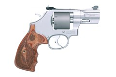 Smith and Wesson 986 Performance Center 9mm
