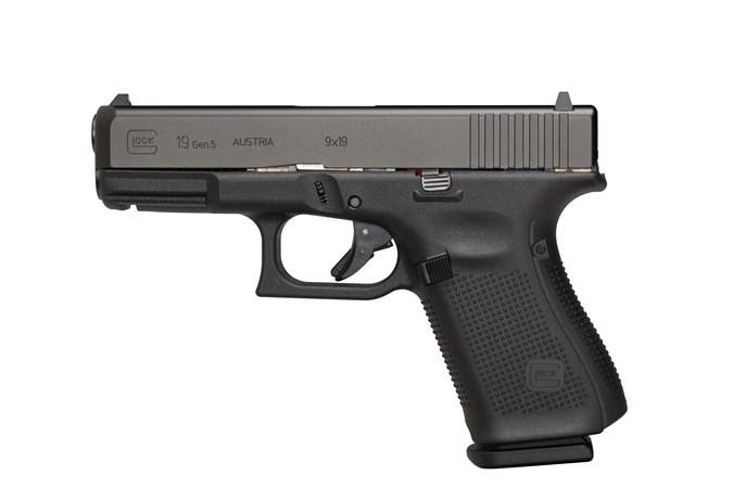 """GLOCK G19 G5 9mm Semi-Auto Pistol - Item #: GLG19515AUT / MFG Model #: G19515AUT / UPC: 764503049057 - G19 G5 9MM 15+1 4.0"""" FS      # 3-15RD MAGS   ACCESSORY RAIL"""
